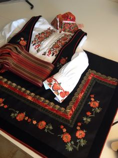 Folk Costume, Costumes, Norwegian Clothing, Needle And Thread, Hygge, Alexander Mcqueen Scarf, Norway, Traditional, Embroidery