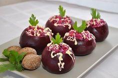 Фото к рецепту: Свекла, фаршированная селедочным салатом