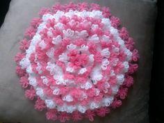 Pembe püsküllü lif modeli Russian Crochet, Crochet Kitchen, Lace Patterns, Crochet Doilies, Mandala, Elsa, Design, Baby, Templates
