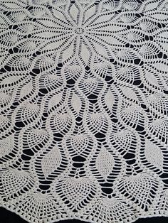 Small Vintage Lace Round Tablecloth.  Pineapple and Wheat Pattern Crocheted Cotton Lace Ecru (Natural Cotton) Colour Tablecloth RBT0234