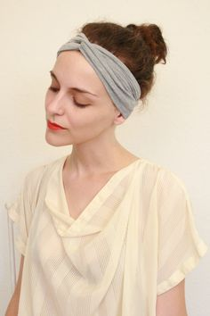 Twitch Vintage: Get Your Joan Collins On; Turban Headband Tutorial    just made this-- so easy! got the headbands in the target dollar section~