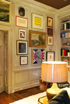 Cinda Boomershine's Atlanta Home - art within picture molding & painted ceiling