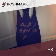 Feather tank Cute & casual tank top. Designed with feathers. Good condition. Forever 21 Tops Tank Tops
