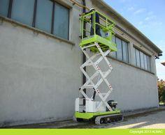 Elevatore cingolato compatto Bibi 510 in ambito industriale