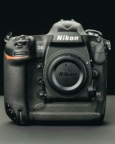Nikon shooters - what do you like most about Nikon cameras? Is it the Ergonomics? Tell us Nikon Old Cameras, Vintage Cameras, Nikon Cameras, Camera Phone, Camera Gear, Nikon Df, Nikon Digital Camera, Digital Cameras, Products