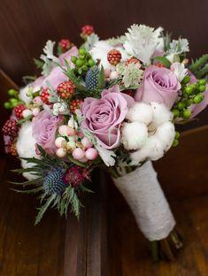 Beach Bridal Dresses, Love Garden, Wedding Bouquets, Beautiful Flowers, Floral Wreath, Wedding Inspiration, Hair Beauty, Wreaths, Business