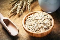 High-Protein Diet: This Oats Pulao Recipe Can Be Your Next Comfort Food Oatmeal For Skin, The Oatmeal, Oats Recipes, Raw Food Recipes, Smoothie, Sopa Detox, Oats Snacks, Lower Cholesterol Naturally, Raw Oats