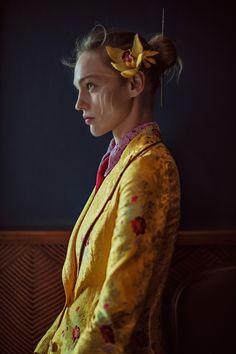 Anja-Rubik-Sasha-Pivovarova-Vogue-China-February-2016-Cover-Editorial05