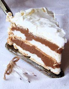 tort bezowy z kremem russel