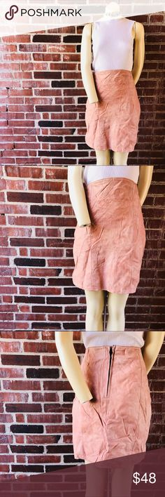 """Vtg Dusty Rose Pink Leather Skirt Women's Large Perfect worn, vintage aesthetic in a blush tone. Back zipper/hook closure. Fully lined.Size L. Waist 30"""". Vintage Skirts"""