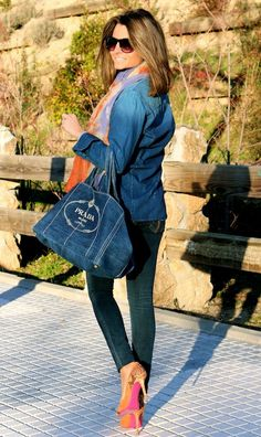 Fashion and Style Blog / Blog de Moda . Post: A touch of Orange / Un toque Naranja See more/ Más fotos en : http://www.ohmylooks.com/?p=8590 by Silvia García Blanco