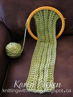 Knitting With Looms: 'Montery Lime' Scarflette WIP