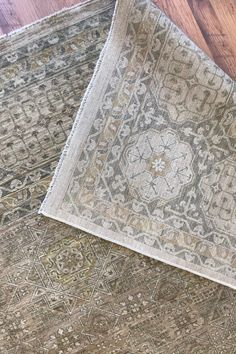Closeup of a Mamluk neutral area rug. This neutral area rug is hand-knotted from wool on a cotton foundation. Features a detailed geometric pattern in a neutral colour combination.  #rugs #arearug #handmade #handknotted #neutralrug #neutralarearug #mamlukrug Neutral Rugs, Neutral, Neutral Colors, Mamluk Rugs, Persian Rug, Rugs, Transitional Design, Neutral Area Rugs, Bohemian Rug