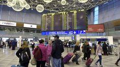 Helsinki-Vantaan lentoaseman matkustajamäärä rikkoo uuden miljoonarajapyykin viikonlopun aikana, Finavia ennakoi tiedotteessaan. Finavian mukaan kentän historiassa ylitetään ensimmäisen kerran 16 miljoonan matkustajan raja. Kasvu on ollut viime vuosina nopeaa, sillä 15 miljoonan matkustajan rajan ylittämästä juhlittiin Helsinki-Vantaalla joulukuussa 2013. Finavian mukaan Helsinki-Vantaalla voidaan palvella 20 miljoonaa vuotuista matkustajaa vuonna 2020, kun kentän laajennustyöt on saatu…