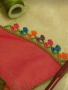 Sowohl Easy als auch Beautiful Crochet Floral Beaded Needlework Models - Strick Liebe Baby Booties, Bunt, Needlework, Diy And Crafts, Coin Purse, Crochet, Beautiful, Table Toppers, Tejidos