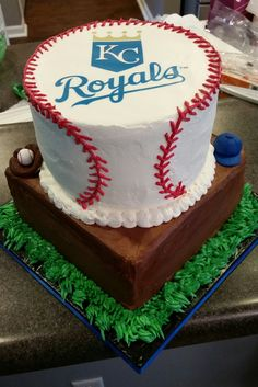 Surprise Royals birthday cake by Sandi Ohs Cupcakes Royals Eats