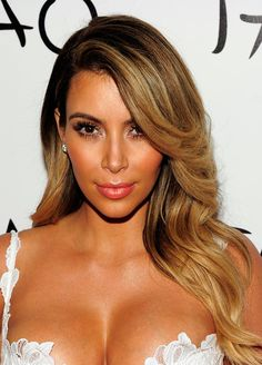Should Kim Kardashian Stay Blonde In 2014?