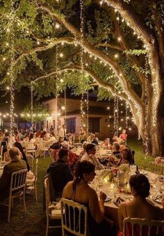36 Romantic Wedding Ceremony Decorations to Make You Swoon – Wedding Decor Garden Wedding Decorations, Wedding Themes, Wedding Hacks, Garden Wedding Ideas On A Budget, Whimsical Wedding Theme, Decor Wedding, Garden Ideas, Wedding Dresses, Diy Garden