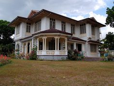 Ninoy Aquino Ancestral House in Concepcion, Tarlac, Philippines Filipino Architecture, Philippine Architecture, Filipino House, President Of The Philippines, Philippine Houses, Filipino Culture, Modern Mansion, House Restaurant, Old Houses