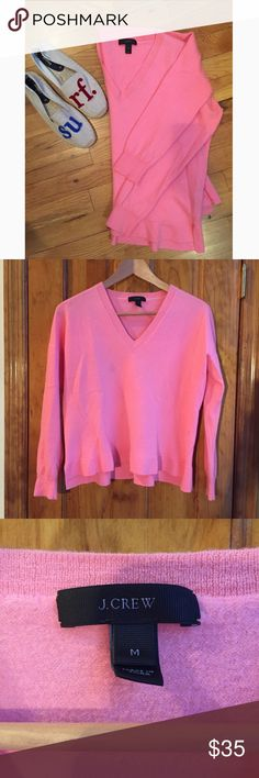 """J. Crew V-neck Sweater Merino Wool Pleated Ends Bust:16""""  Body Length:20""""  Sleeve Length:17""""  All measurements are taken with the item laid flat. J. Crew Sweaters V-Necks"""