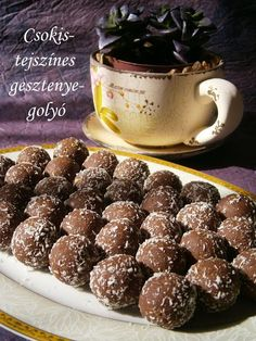 CSOKOLÁDÉS-TEJSZÍNES GESZTENYEGOLYÓ Sweet Desserts, No Bake Desserts, Sweet Recipes, Dessert Recipes, Salty Snacks, Hungarian Recipes, Eat Dessert First, Macaron, Christmas Baking