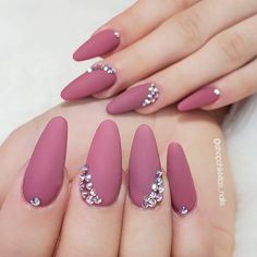 🚨LAST DAY TO ENTER our weekly 🎉😄 Tag as many besties as possible and like our posts for a chance to WIN a surprise gift tomorrow! To get this look, use 'Merci-Beau-Quet'💋 . Almond Acrylic Nails, Cute Acrylic Nails, Cute Nails, Pretty Nails, Diy Nails Manicure, Glam Nails, Bling Nails, Elegant Nails, Classy Nails
