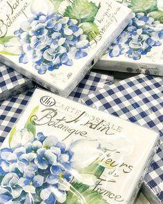 "Florist, Home & Gift Store on Instagram: ""New napkins in-store. Blue and white gingham 💙 . . . . #thatprettymarket #giftideas #homedecor #napkins #entertain #blueandwhite…"" Gift Store, Home Gifts, Gingham, Decorative Boxes, Napkins, Blue And White, Entertaining, Shop, Instagram"