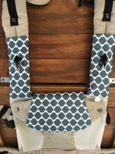 Drool bib and pads for lillebaby baby carrier https://www.facebook.com/LovetoLivBaby