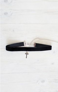 Cross Paths Choker Necklace in Black And Silver