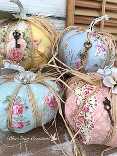 Fall Pumpkin Crafts, Autumn Crafts, Diy Pumpkin, Velvet Pumpkins, Fall Pumpkins, Fabric Pumpkins No Sew, Fabric Crafts, Sewing Crafts, Fabric Art