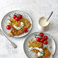 ESSEN & TRINKEN - Zucchinipuffer mit Fetacreme Rezept