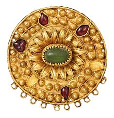 Sarmatian Gold (Brooch 1st century BCE - 1st century CE. Nohaichynsky tumulus near the village of Chervone, Crimea. Excavations 1974.)