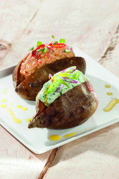 Ofenkartoffel mit Paprika- und Kräutercreme