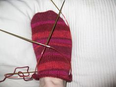 Knitting Socks, Knitted Hats, 3d, Knit Socks, Knit Hats