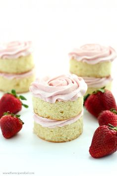 Mini Vanilla Layer Cakes with Strawberry Swiss Meringue Buttercream: the perfect moist vanilla cake and fluffy not-too-sweet strawberry frosting! Great for any birthday or Spring celebration. Cake for pregnant woman Best Dessert Recipes, Cupcake Recipes, Baking Recipes, Mini Desserts, Just Desserts, Delicious Desserts, Strawberry Cakes, Strawberry Frosting, Strawberry Meringue