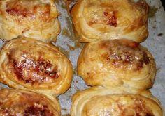 Töltött leveles tészta Baked Potato, Ale, Muffin, Appetizers, Potatoes, Meat, Chicken, Baking, Vegetables