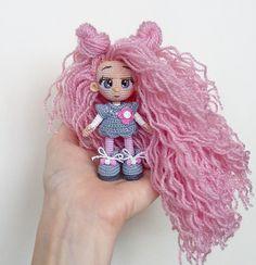 Lyudmila Minina Knitted Dolls, Crochet Dolls, Knit Crochet, Amigurumi Doll, Doll Clothes, Crochet Necklace, Mini, Knitting, Toys