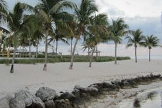 Sandy shore in Sombrero Beach, Marathon, the Florida Keys.