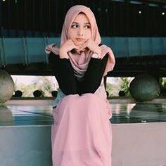Beautiful Muslim Women, Hijab Fashion, Nova, Aurora Sleeping Beauty, Ballet Skirt, Disney Princess, Disney Characters, Skirts, Dan