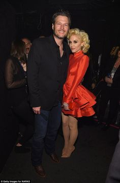 Gwen Stefani Sits in Blake Shelton's Lap at Clive Davis' Pre-Grammys 2016 Gala!: Photo Gwen Stefani sits in her boyfriend Blake Shelton's lap while in the audience during the 2016 Clive Davis Pre-GRAMMY Gala and Salute to Industry Icons held at The… Gwen Stefani No Doubt, Gwen Stefani Mode, Gwen Stefani Style, Blake Shelton Gwen Stefani, Blake Shelton And Gwen, Gwen And Blake, Gwen Stefani And Blake, Celebrity Couples, Celebrity Style