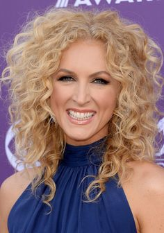 2017 CMA Music Festival - Kimberly Schlapman of Little Big Town performs onstage JeweBlog