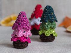 Small Crochet Christmas Tree #crochet #christmas #decoration #free #pattern #toy