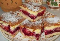 Krémes-szilvás pite Hungarian Desserts, Hungarian Recipes, Yummy Treats, Delicious Desserts, Yummy Food, Cookie Recipes, Dessert Recipes, Czech Recipes, Baking And Pastry
