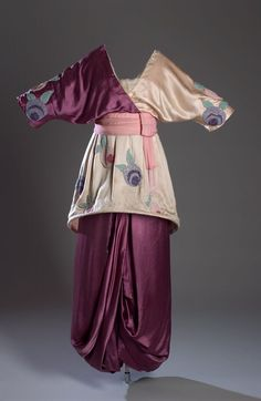 """Paul Poiret """"Sorbet dress,"""" """"Lampshade Tunic,"""" or """"Minaret"""" dress, 1913 In the this oracle of the mode was Paul Poiret, known in America as """"The King of Fashion. Paul Poiret, Historical Costume, Historical Clothing, Edwardian Fashion, Vintage Fashion, Style Édouardien, Vintage Dresses, Vintage Outfits, Vintage Clothing"""