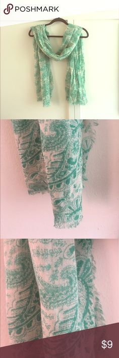 GREEN AND WHITE PAISLEY SCARF/WRAP Green and white scarf with paisley print. Could also work as a wrap. Light weight.  Frayed edges and bottom as shown. 100% acrylic.  31 x 74. Old Navy Accessories Scarves & Wraps
