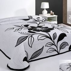 biela prikryvka na postel Bed Sheets, Pillows, Furniture, Design, Home Decor, Little Birds, Bedspreads, Home Furnishings, Cushions
