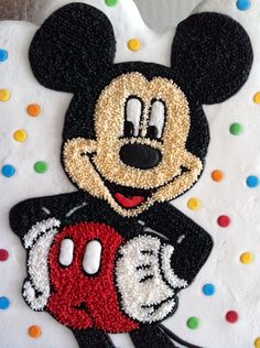 Mickey Mouse Mickey Mouse Birthday Cake, Mickey Mouse Cupcakes, Minnie Mouse Theme, Punch Needle Patterns, Hand Embroidery Patterns, Diy Arts And Crafts, Diy Crafts, Russian Embroidery, Rug Hooking Patterns