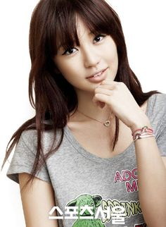 Yoon Eun Hye, my all time favorite Kdrama actress. Favorite actress in the world? Maybe. Maybe...