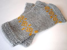Ravelry: KIS Mitts pattern by April Klich free pattern with matching hat ( see there's something on your head boards).... worsted wgt.... three sizes 100 - 134 yards