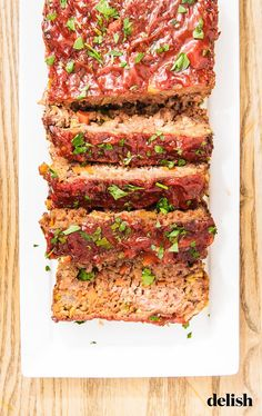 Meatloaf is an old-school recipe that everyone should know how to make. Here are the Delish Test Kitchen's top 10 tists for cooking meatloaf at home. Best Meatloaf, Meatloaf Recipes, Meat Recipes, Cooking Recipes, Healthy Recipes, Recipies, Cooking Meatloaf, Entree Recipes, What's Cooking